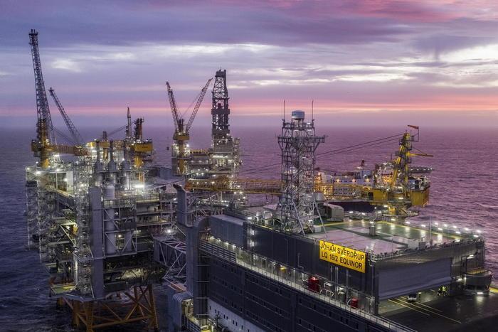 Petrolio chiude in calo a Ny a 51,5 dlr
