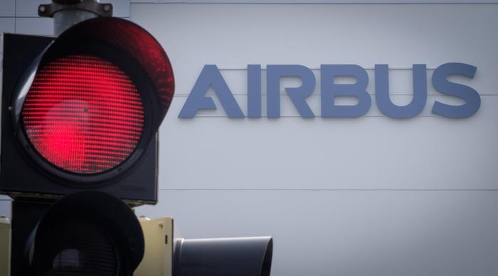 Airbus patteggia multa da 3,6 miliardi per chiudere inchieste