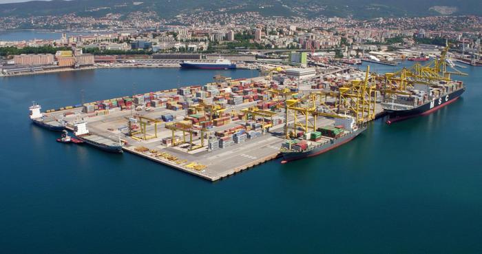 Porti:semestre; Trieste, pesa pandemia, -14% traffici totali