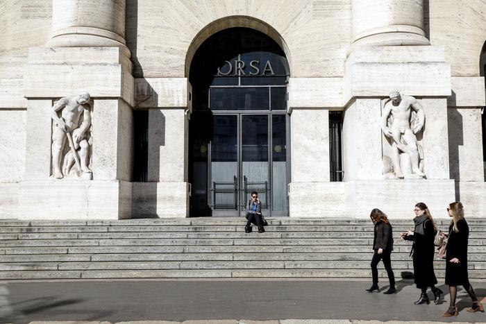 Borsa: Milano sale (+1,1%) dopo dato Pil e con Europa