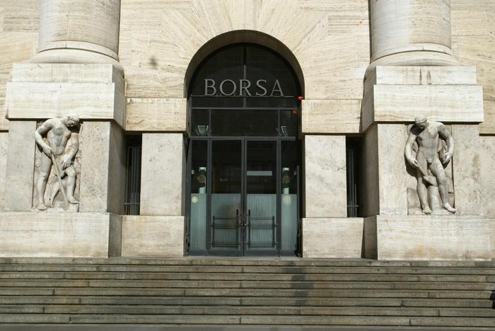 Borsa: Milano chiude piatta (-0,08%)
