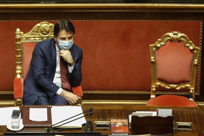 Governo: Nodo quota 161 Senato, Palazzo Chigi alla ricerca di 14 voti