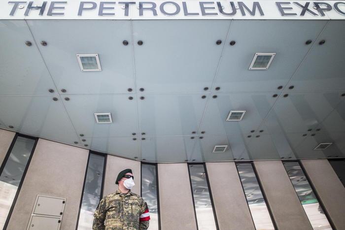 Petrolio: Wti sale a 65 dollari, massimo da gennaio 2020