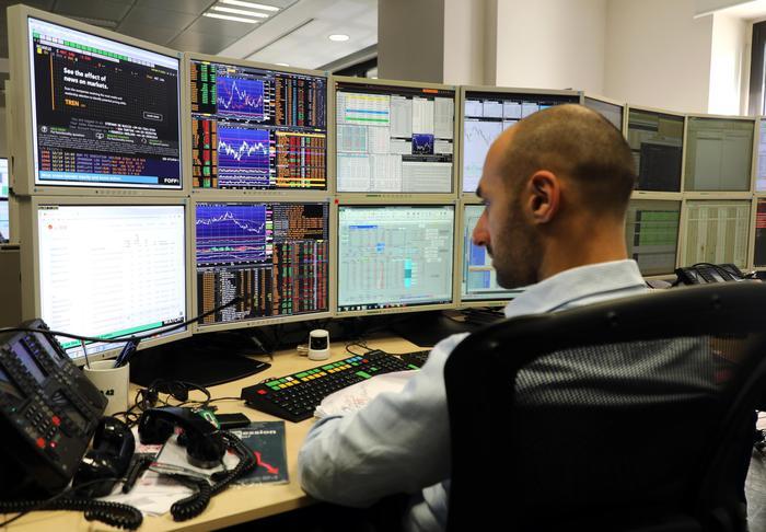 Borsa: Milano (+0,4%) maglia rosa in Europa dopo inflazione