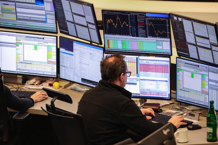 Borsa: Europa negativa attende inflazione Usa, tiene Milano