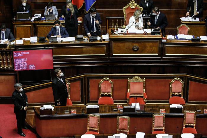 Green pass: al Senato slitta a mercoledì. Salvini: tamponi gratis