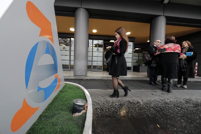 Fisco:scade la precompilata, si pagano bollo auto e cartelle
