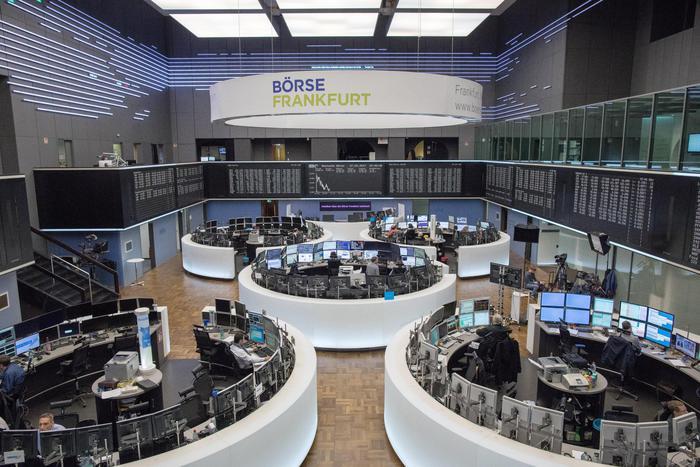 Borsa: Europa chiude giù, Parigi -0,79%