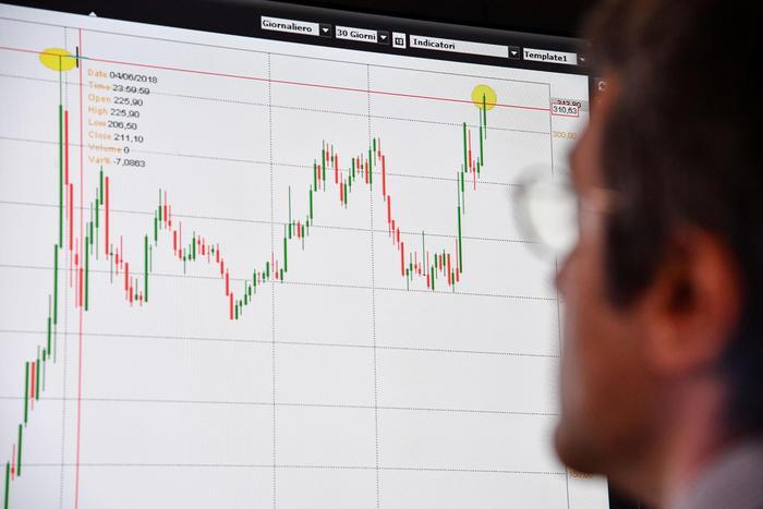 Spread Btp-Bund supera Grecia su titoli a 5 anni