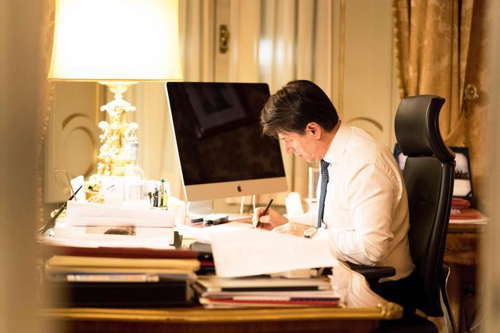Governo: Conte avanti sul programma Grillo spinge 5S-Pd all