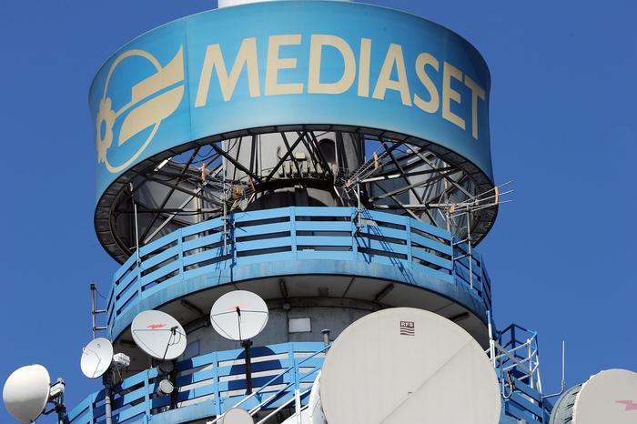 Cresce utile 6 mesi Mediaset, giù ricavi