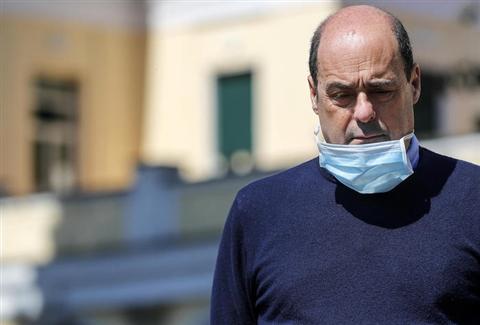 Coronavirus: Zingaretti, ora è il cuore dello scontro. Non abbassare la guardia