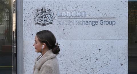 Borsa: Europa cresce dopo previsioni Ocse, Londra +1,9%