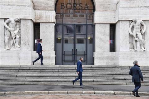 Borsa: Milano poco ottimista (+0,18%), tonfo di Unicredit